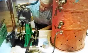 Unikt exemplar. Det här kan vara ångmaskinen som har försvunnit ur Båt-Harry Karlssons samling. BILD: ASKERSUNDS KOMMUN