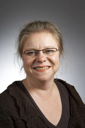 Kritisk. Denise Norström (S) vill att landstinget ska se över hur alla medicinska hjälpmedel ska bekostas.