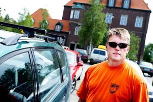 Arnstein Eidsmo, Steinkjer:– Hittills har jag inte sett några problem alls. Den här platsen är fint placerad och priserna är rimliga. Hemma  i Norge kan det ofta kosta 15 norska kronor per timme.