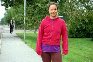 Angéla Smideby på motionstur.