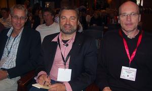 Tre huvudpersoner på konferensen är Ungdomsstyrelsens generaldirektör Per Nilsson, kommunalrådet Peter Helander och ungdomssamordnare Åke Nyström. Foto:Hans Olander