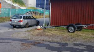 Bilen blev helt dränkt efter sitt äventyr i kanalen.