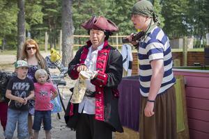 Kapten Schack Matt och Bubba gav sig på äventyr med både barn och vuxna.