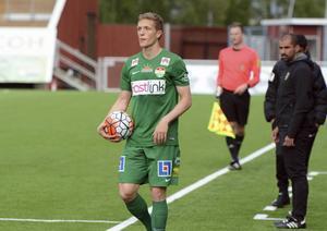 Alexander Ekblad i Dalkurdtröjan.
