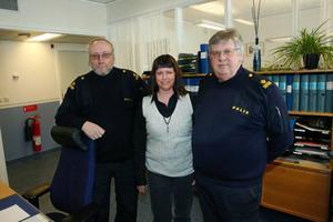 Personalen vid Hedepolisen, Sten Åslund, Anette Amundsson och Björn Qvistberg har fått sina gamla lokaler renoverade.