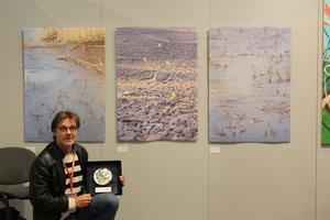Det var i klassen Konst på papper som Jeff Lindahl fick stora silvermedaljen vid biennalen i Florens.
