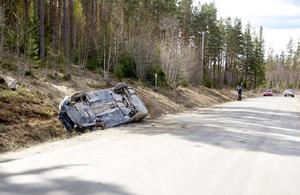 Kvinnan som körde fick föras till sjukhus.