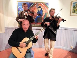 Kammarensemblen T R E: Staffan Isbäck, gitarr, Lars Stattin, viola och Annika Wångby Stattin, violin.