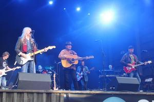 Festivalens höjdpunkt för många: rockrävarna Dan Hylander, Mikael Rickfors och Pugh Rogefeldt.