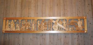 Gammalgrekiska var Klaras huvudämne under studierna. Ett spännande ämne som har hjälpt henne att tolka många av bibelns budskap. Några av dessa budskap symboliseras i det här konstverket som finns i Marielundskyrkan.