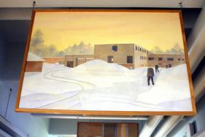 Lars Nylunds målning i taket på en korridor i sjukhemmet.