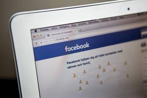 Säg nej till automatiska artigheter på Facebook. Det tycker i alla fall fredaxredaktören Björn Brånfelt.