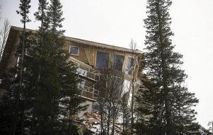 Huset är byggt med flera skeva vinklar för att skapa den speciella designen.