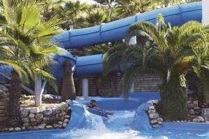 Populärt hotel. Fritidsresors Splash-hotell med rutschbanor har blivit populära, här i turkiska Side.