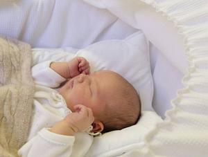 Här är pappans bild på prins Alexander Erik Hubertus Bertil, tre dagar vid fototillfället.