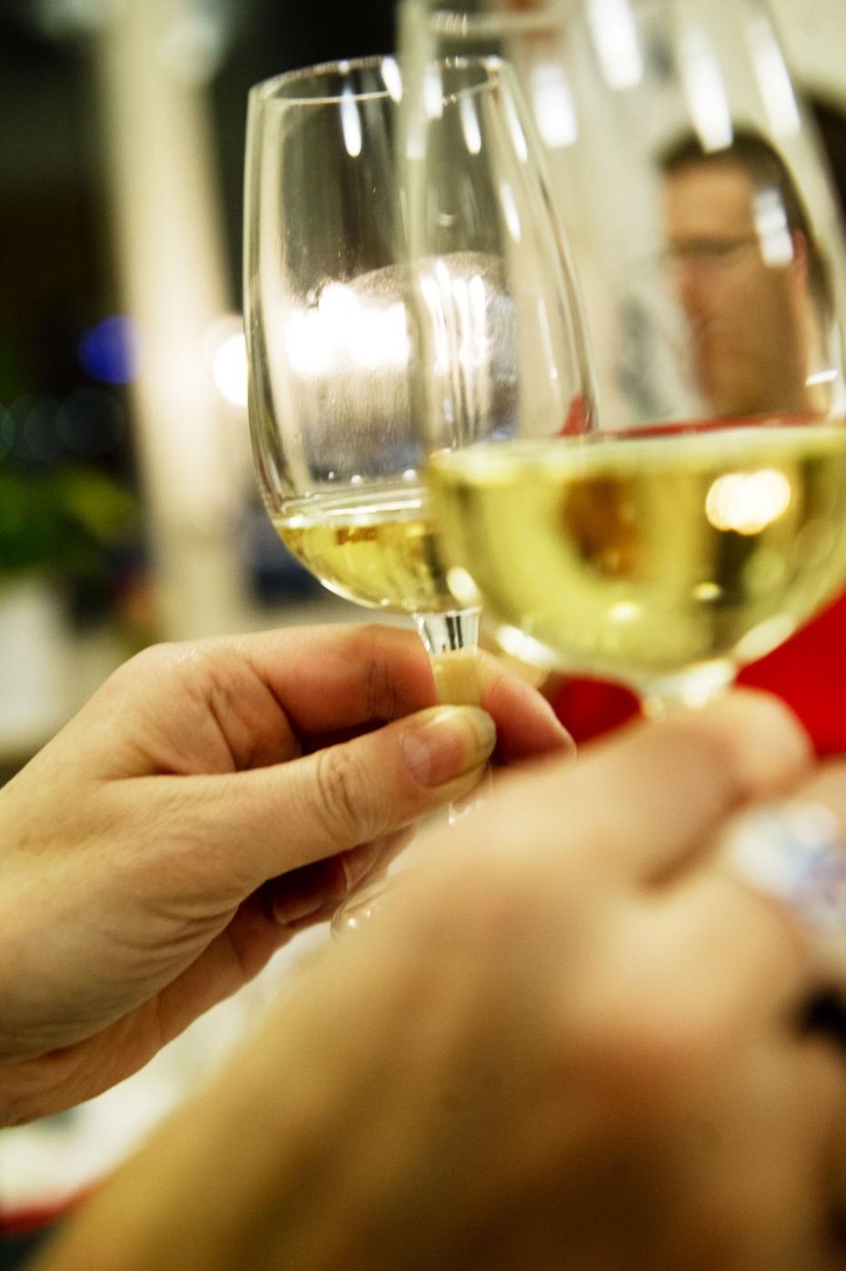 Gar champagnen att dricka eller salja