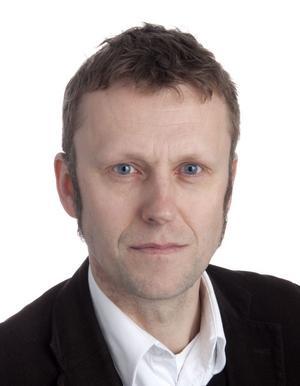 Niklas Larsson, sparekonom på Spiltan som förvaltar aktiefond Dalarna delar inte Svenskt Näringslivs pessimistiska syn på framtiden