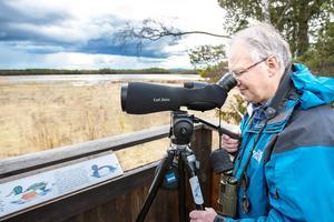 Tysjöarna är något av hemmaplan för Christer Pålsson. Där kan han ägna timmar åt sin passion fågelskådning och samtidigt finna lugn och ro.