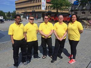 Cityvärdarna Irshad, Joakim, Erik, Anders och Gina ska bidra till ett lugnt centrum i Härnösand.