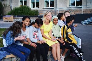 Fjärdeklassarna på Hellbergsskolan var glada över att få träffa Magdalena Andersson (S).