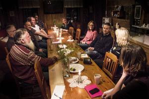 Tio lokala företagare i Stråtjära spånade idéer i ett första möte.