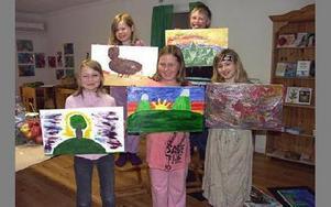 Övre raden från vänster Therese och Elias.Nedre raden från vänster Katie, Linneá och Caroline.FOTO: ANNA ENBOM