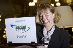 Bärbara datorer, eller laptops, laddade med Sonata-batterier från Boston Power. Det håller på att ge Christina Lampe-Önnerud en position som världens batteridrottning. Foto:PRIVAT