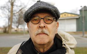 Ulf Meseke, 73, Norrtälje. – Jag känner mig hatisk. Man förstör en fungerande hamn. Ett översitteri utan dess like.