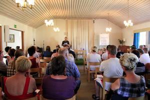 Lillbergsgården var fullsatt på söndagens möte.