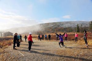Instruktören Jonas Petterson, Vemdalen, drog i gång det första träningspasset på lördagsförmiddagen