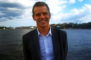 Mats E Johansson drev tidigare byrån BNG, som köptes upp av Reformklubben. BNG låg bland annat bakom det uppmärksammade arbetet med Dalahästen, på Region Dalarnas uppdrag.