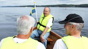Styrman. Ulf Nordfeldt ser här till att roddarna styr kyrkbåten i rätt takt och riktning.