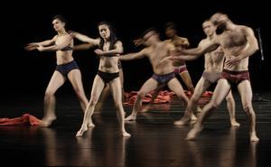 Les Ballets C de la B under en turné i Taiwan 2011. I november kommer danskompaniet till Sverige.