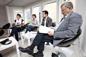 På tisdagen presenterade alliansen sin skuggbudget. På bilden syns oppositionsråden Inger Källgren Sawela, M, Lili André, KD, Per-Åke Fredriksson, FP och Roland Ericsson, C.
