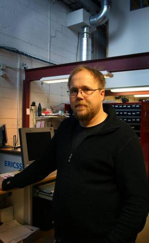 Butiksägaren Mikael Olsson berättar att polisen varit på plats efter inbrottsförsöket.