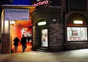 Butikerna i Östersunds stadskärna har olika erfarenheter av julhandeln så här långt.