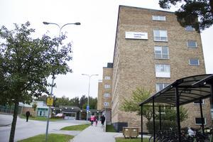 Nya parkeringsregler har införts vid Sandvikens sjukhus.