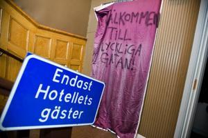 Bostadsföretaget Akelius räknar med att besluta om husets framtid i höst.
