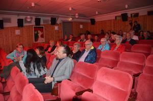 Härjedalens kommuns kulturchef Patrik Byström fanns på plats i publiken. Härjedalens kommun har bidragit med 6 000 kronor till Inlandsbanefestivalen.
