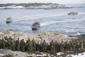 Soldater ur 203:e Amfibieskyttekompaniet övar med sina stridsbåtar i Stockholms skärgård, båtar som behöver förnyas och bli fler. Foto: Fredrik Sandberg / TT
