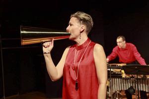 Duo Ego är Monica Danielson och Per Sjögren som framför nutida konstmusik.