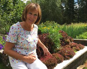 Elisabett odlar i princip allt och familjen är självförsörjande på det mesta som växer.