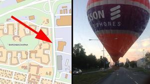 Här på Hedgatan tvingades en av luftballongerna att nödlanda. Mitt bland bilarna.