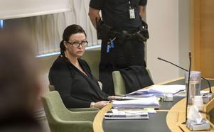 Johanna Möller misstänks för drunkningsmordet på sin tidigare make Aki Paasila som sommaren 2015 hittades död i Hjälmaren i anslutning till sommarstugan utanför Arboga.