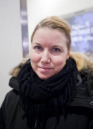 Sanna Boström, 32 år, kallskänka, Gävle: – Nej, julklappar har man ju redan köpt.