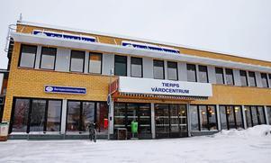 Hit till Tierps vårdcentral har ögon- och öronläkare kommit några gånger i veckan. Nu flyttas verksamheten till Akademiska sjukhuset i Uppsala.