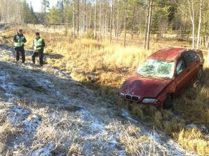 Olyckan skedde när personen i bilen skulle göra en omkörning och fick sladd, cirka 300 meter innan korsningen i Tandsbyn, 25 kilometer söder om Östersund.