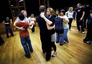 De som lär sig dansa balboa får efter kursavslutningen hålla utkik efter Kulturkollektivet urban folkdans/dans i Jämtlands danskvällar. Annars får man dansa i vardagsrummet.