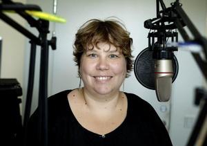 Sofie Blombäck, statsvetare på Mittuniversitet, är vår expert på partier och politik