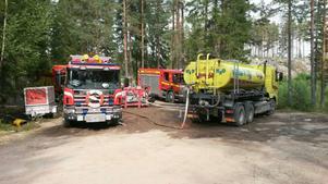 Västeråsföretaget Vemmab är nu med och hjälper räddningstjänsten med sina 2  14m3 vattentankar.